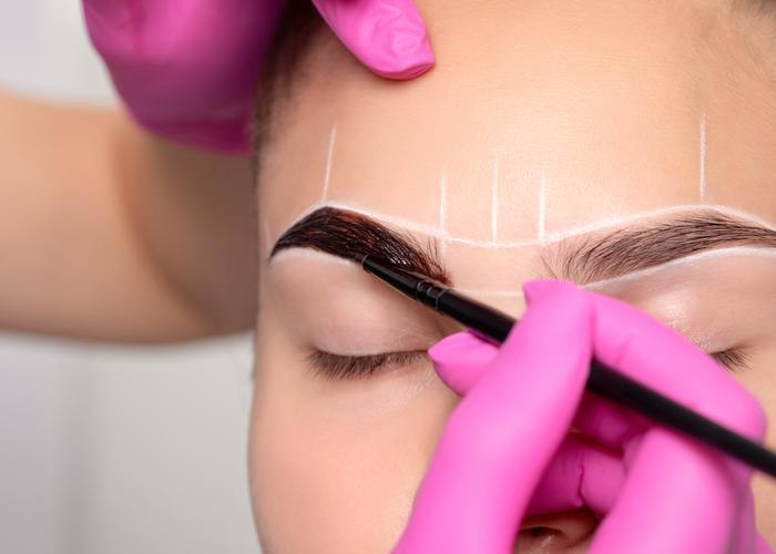 Henna Eyebrow Treatment